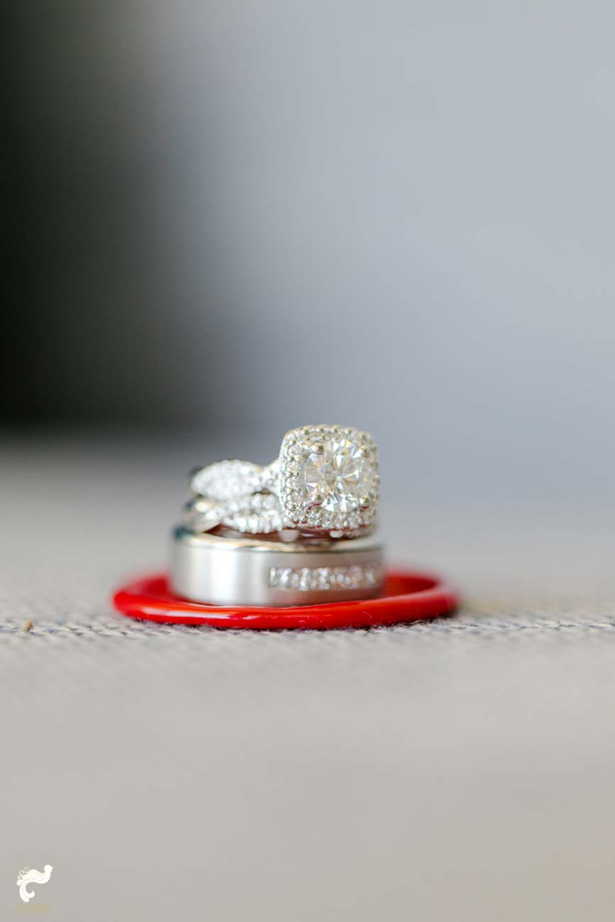 Bride and groom's wedding ring set