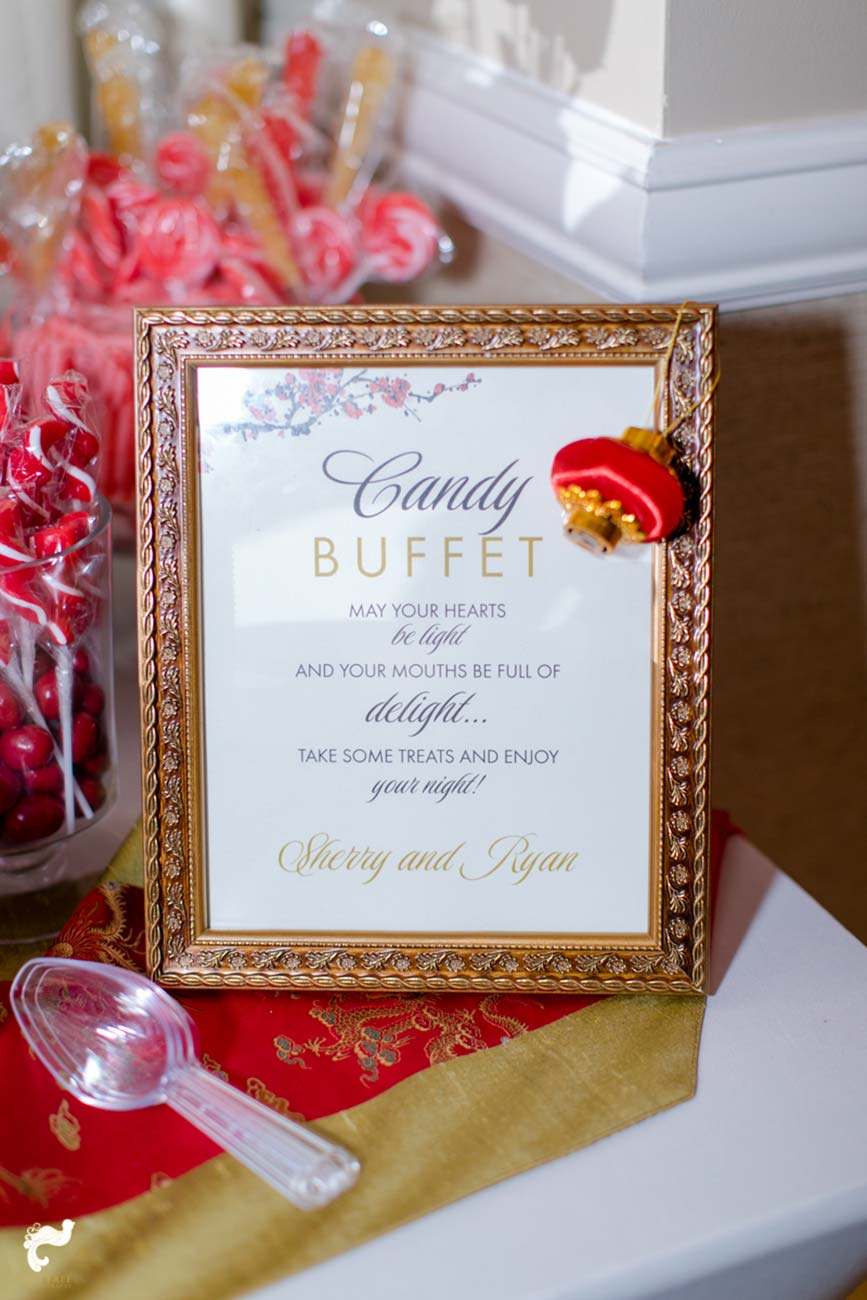 Frame with printed candy buffet instructions