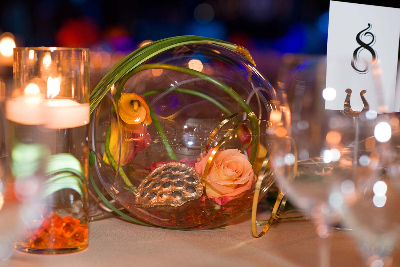 Tabletop glass decoration with plants